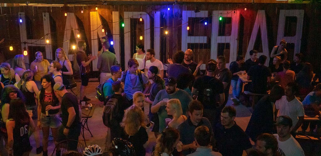 Can you handle St. Louis hookups at the HandleBar?