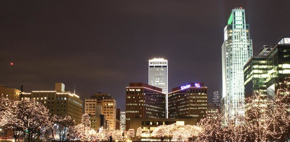 City lights brightening up the evening, perfect for meeting BBW in Omaha