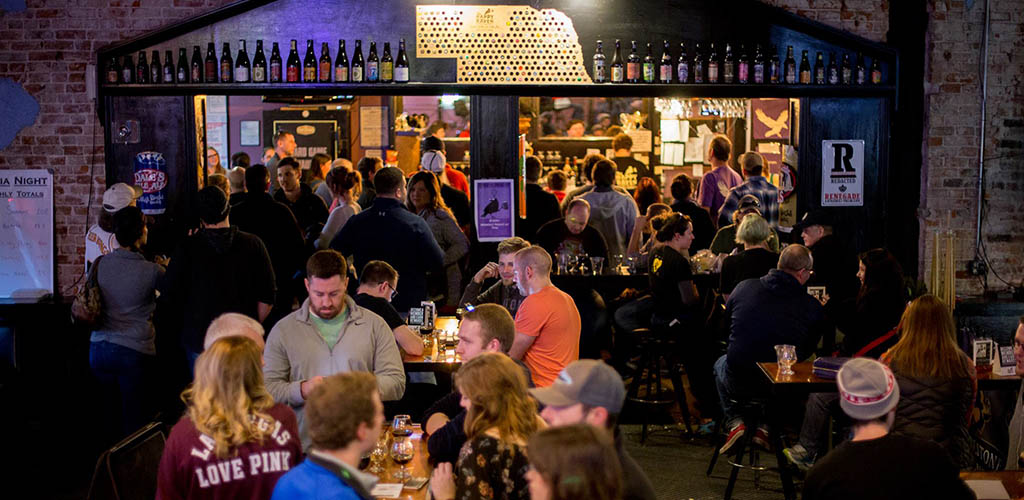 Get laid in Lincoln with fellow beer lovers at The Happy Raven