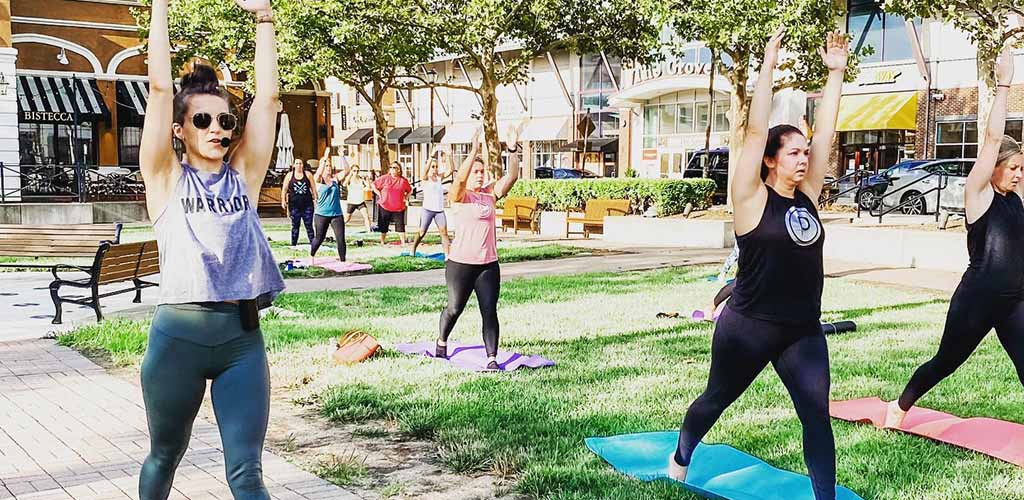 A barre class at the outdoor area of Zona Rosa