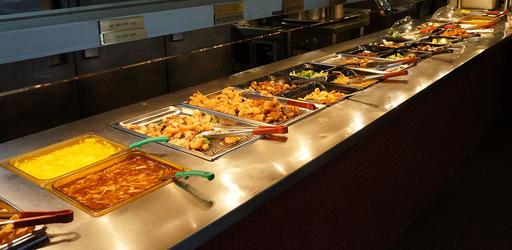 A variety of dishes in the buffet of Chow Time