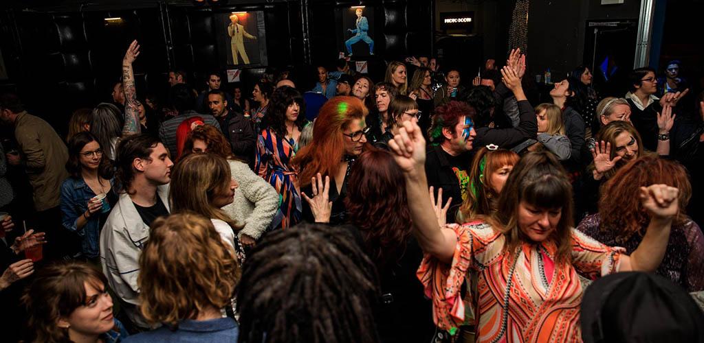 Drinks Lounge crowd dancing