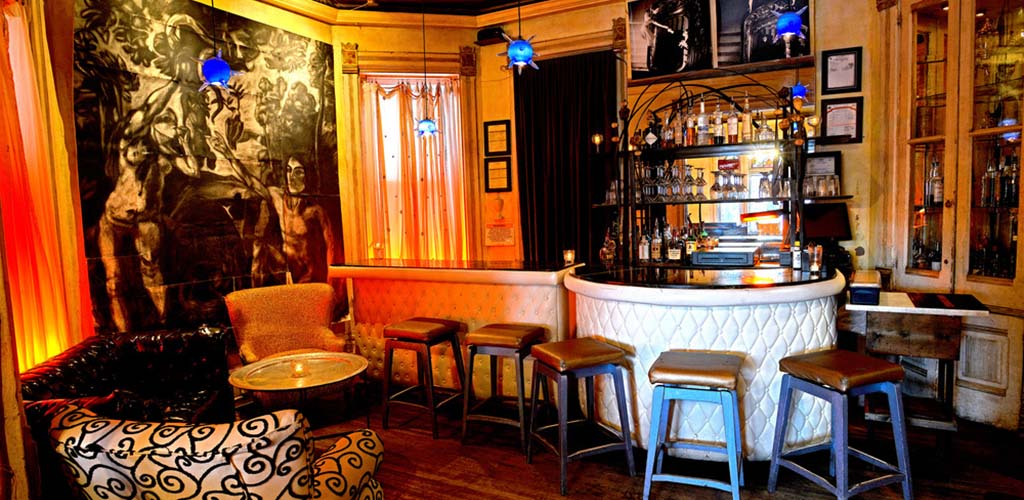 The vintage interiors of Mollie Fontaine Lounge