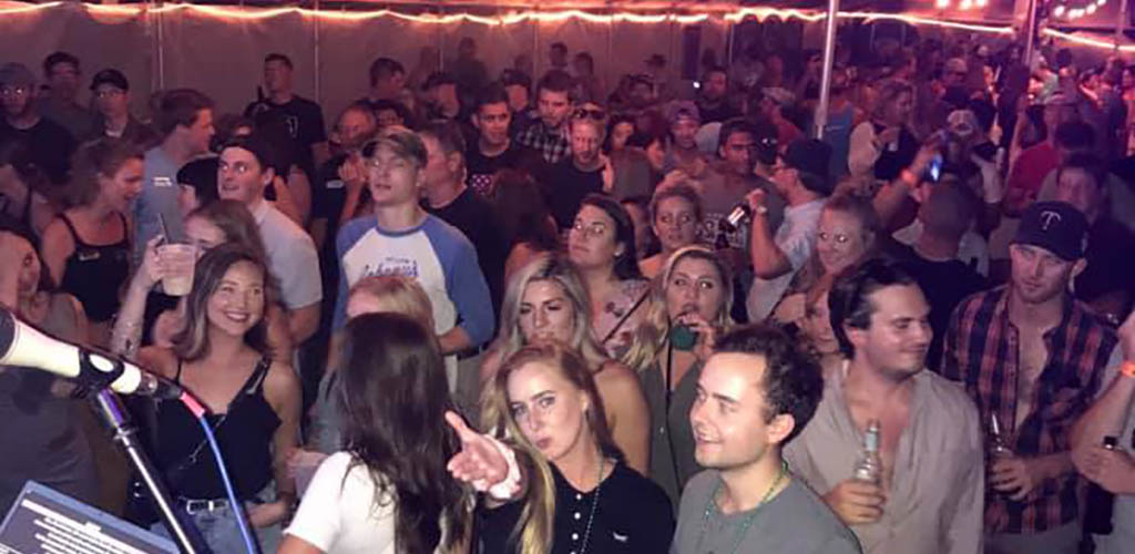 Kick back and find St. Paul hookups at The 1029 Bar