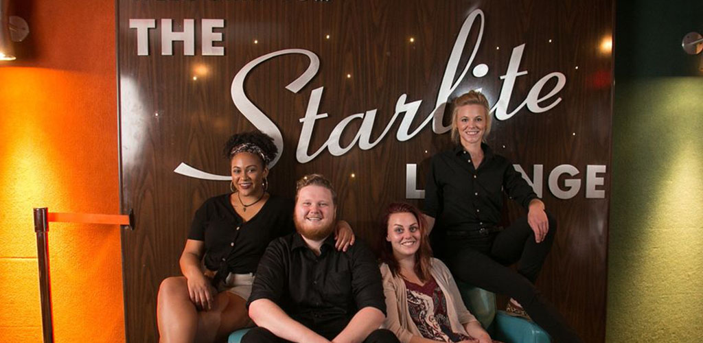 Go retro and find Lincoln hookups at the Starlight Lounge