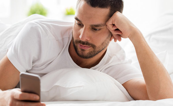 Wondering how to text your ex without looking desperate