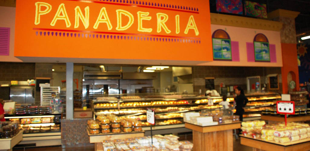 The bread section of Vista Market