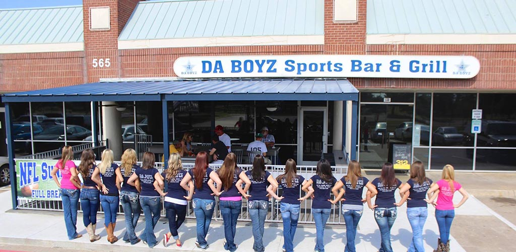 Da Boyz Sports Bar and Grill is where you can find Garland hookups
