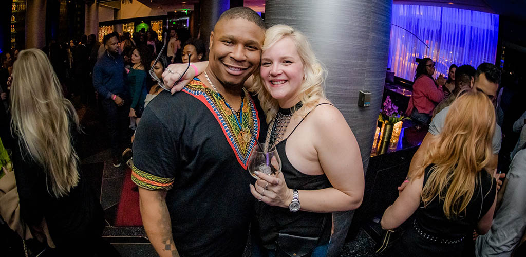 A luscious woman with her friend at Livingroom Lounge