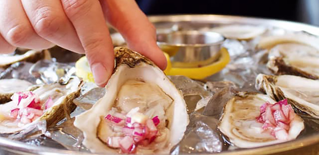 Fresh oysters from St. Mark Restopub