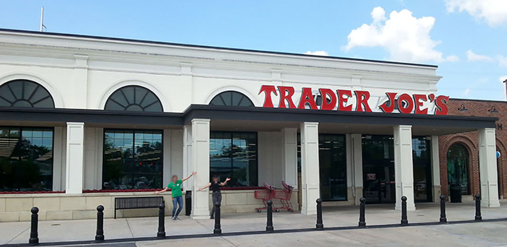 Find a sexy single in the aisles of Trader Joe's looking to get laid in Baton Rouge