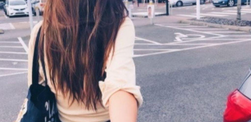 A cute Liverpool single walking outside Tesco