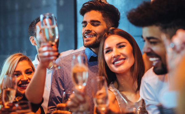Men and women looking for Geelong Australia hookups at a fancy bar