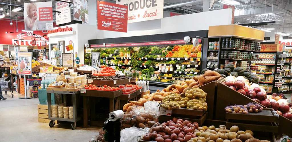 Talk organic produce at Earth Fare and score Fort Wayne hookups