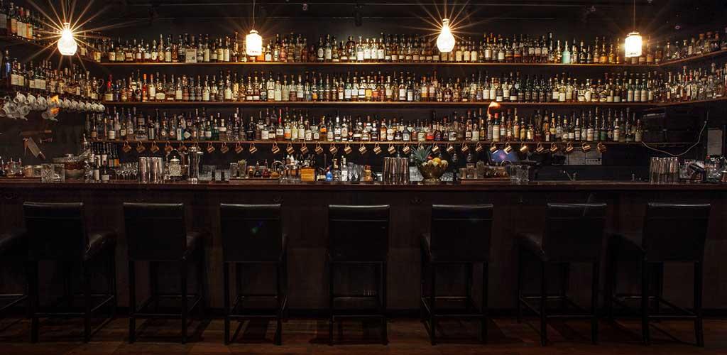 The romantic bar area of Eau de Vie