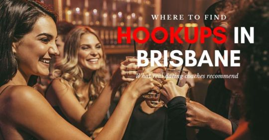 Friends on the hunt for Brisbane hookups at the club