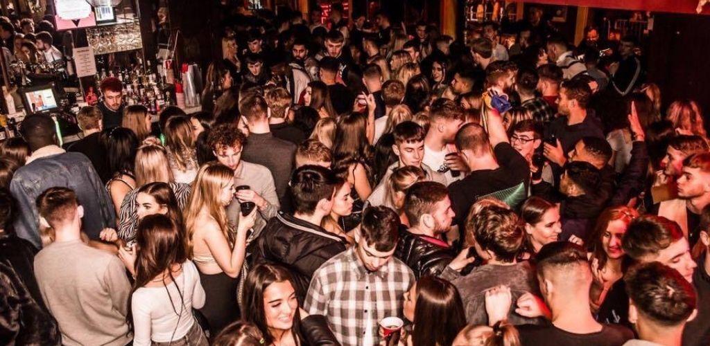 Liverpool singles drinking, dancing and hooking up at Heebie Jeebie's