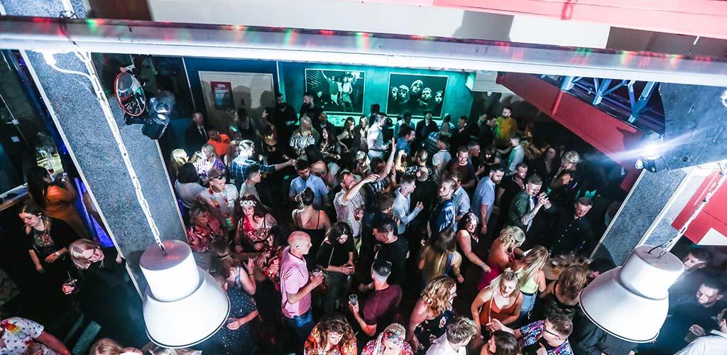 Meet lots of singles and party at Retro, a Cardiff UK hookup bar