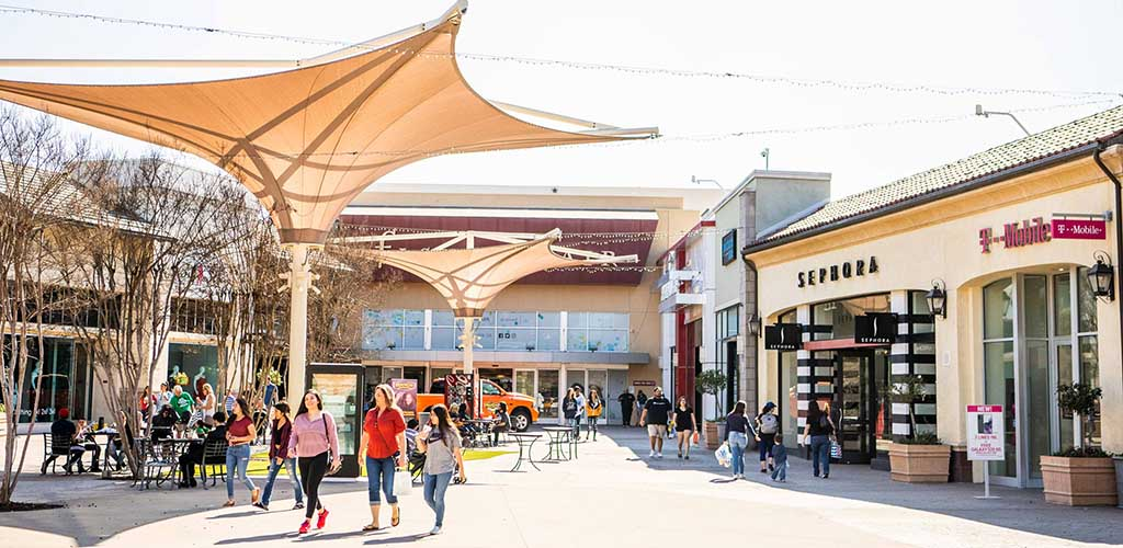 Fashion Fair on a sunny day