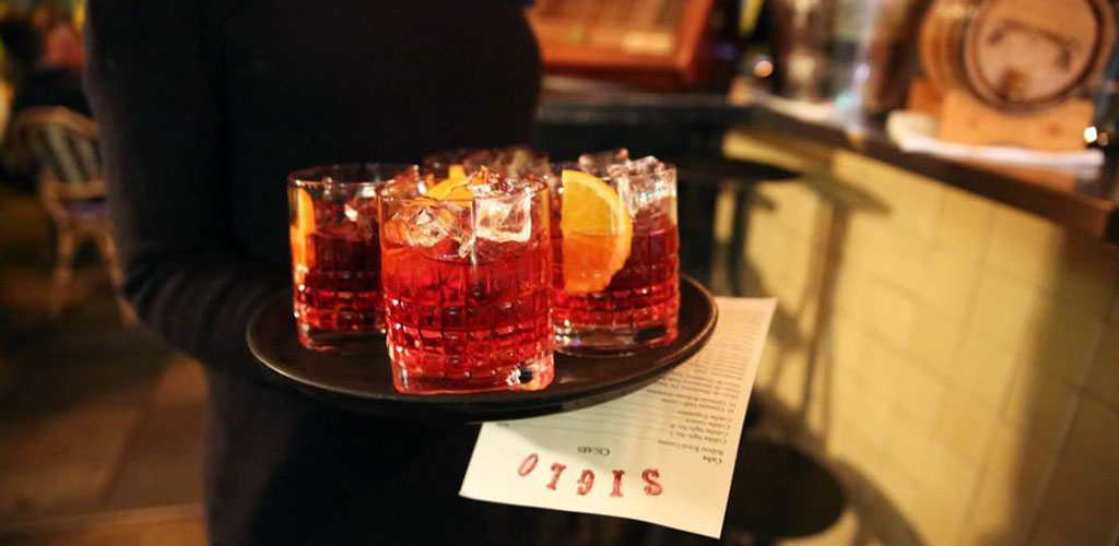 Old fashioned cocktails from Siglo