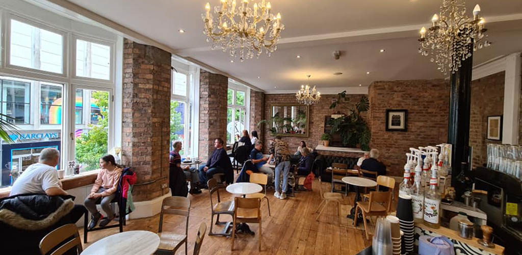 A relaxed afternoon at Rococo where you can find Liverpool hookups