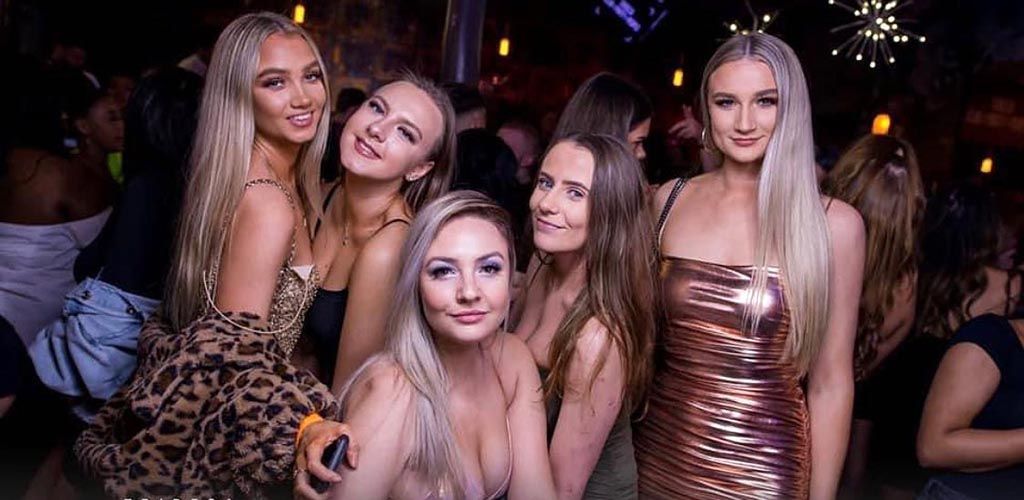 Ladies looking for Sheffield hookups at the Viper Rooms
