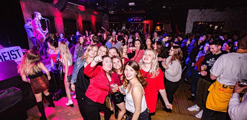 BBW in Boston on the dance floor of Ned Devine's
