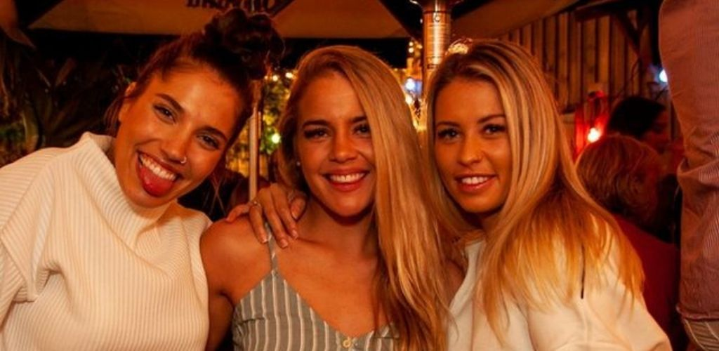 Cute girls from Sunshine Coast hooking up at La Canteena Beer Garden