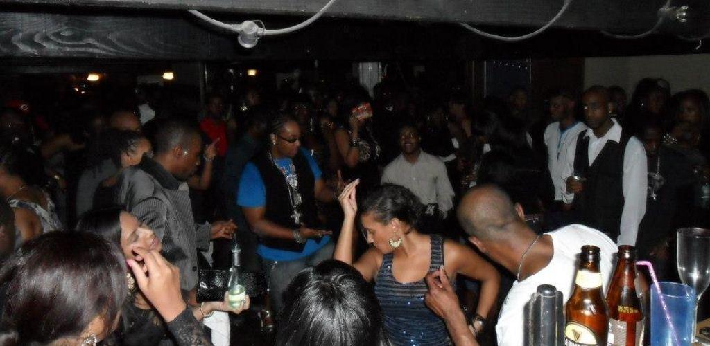 Cute Croydon singles hooking up on the dance floor of The Granaries nightclub
