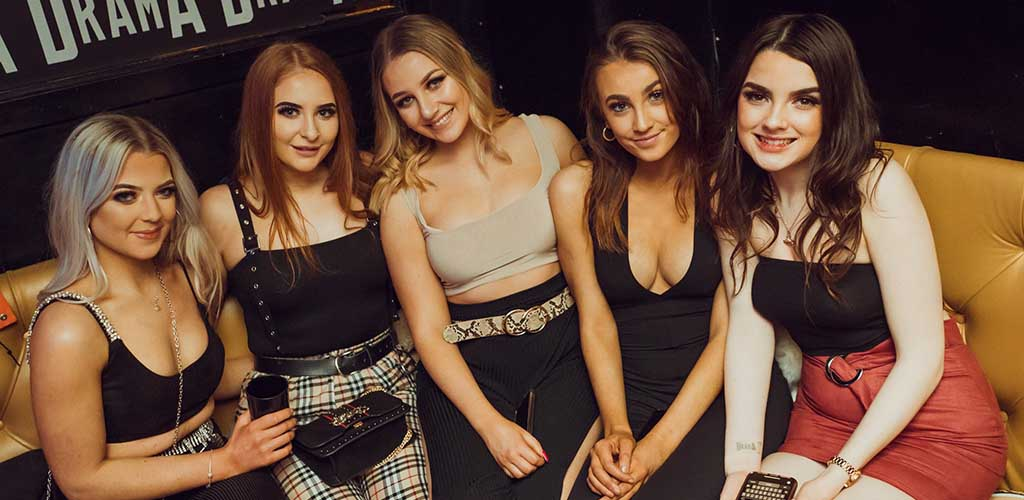 Sexy women looking for Edinburgh hookups at Why Not Nightclub
