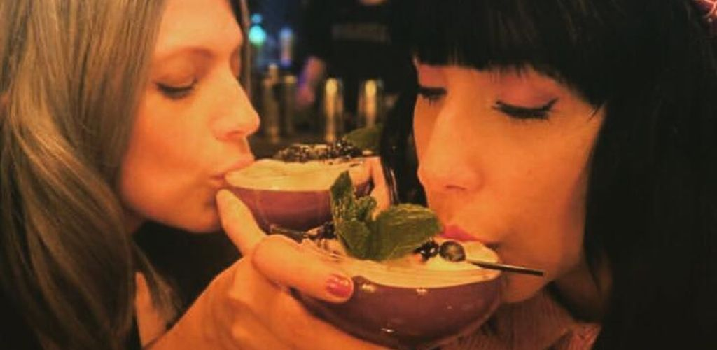 Cute Dublin singles sipping cocktails at Drop Dead Twice