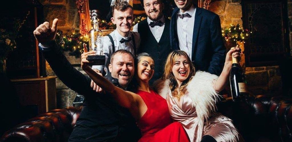 Dublin couples hooking up and drinking at Vintage Cocktail Club