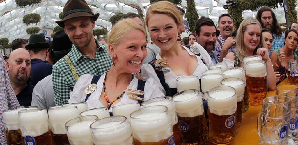 The beautiful beer maids in Zeitgeist San Francisco