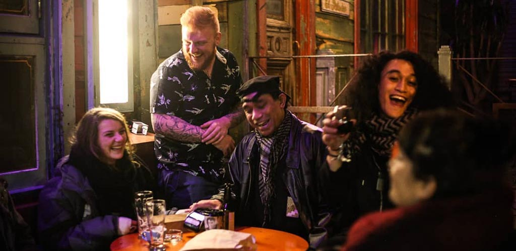 Attractive singles on the lookout for Wellington hookups at Havana Bar
