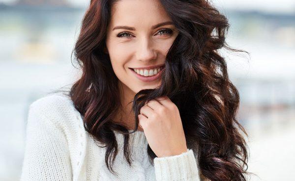 Beautiful brunette single woman seeking men in Cardiff