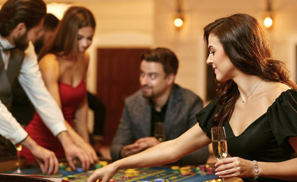 Single women seeking men in Las Vegas at a casino