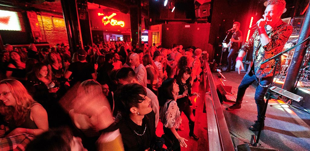 Meet single women seeking men in Vancouver at The Roxy Cabaret