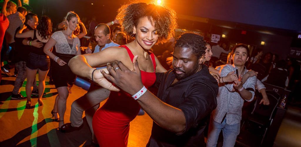 Get up close and personal with single women in Quebec City at Salsa Attitude