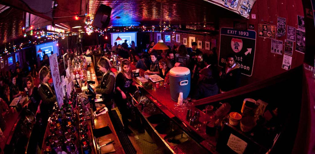 Sidebar Tavern is a cool and intimate venue for live music and Baltimore casual encounters