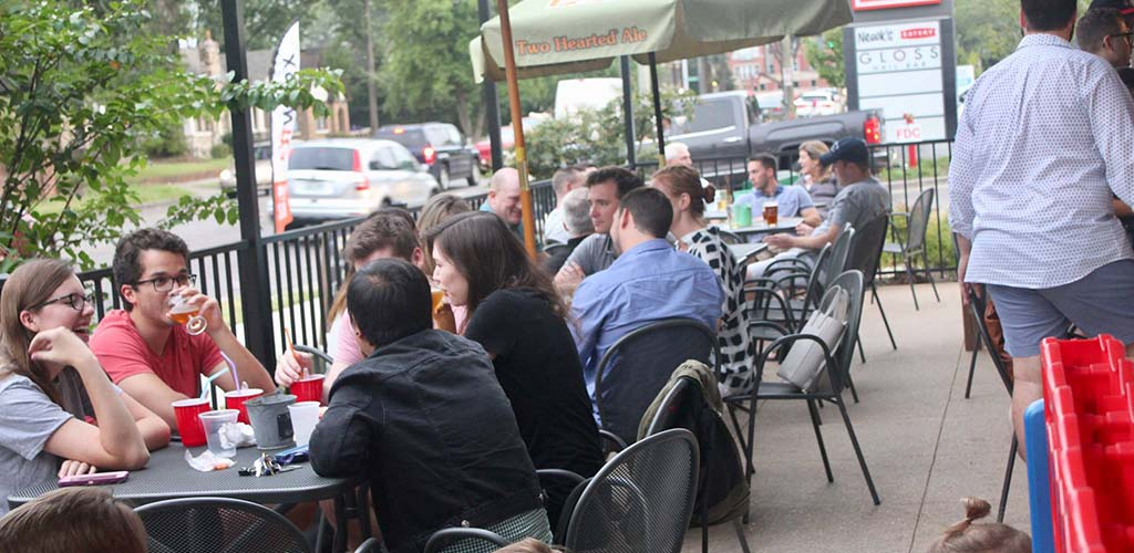 The Casual Pint has a great crowd of friendly people looking for Memphis casual encounters