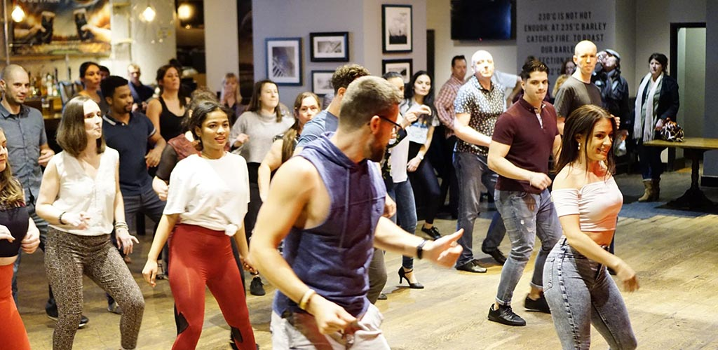 Salsa Buena offers a range of Latin dance classes for single women in Cardiff