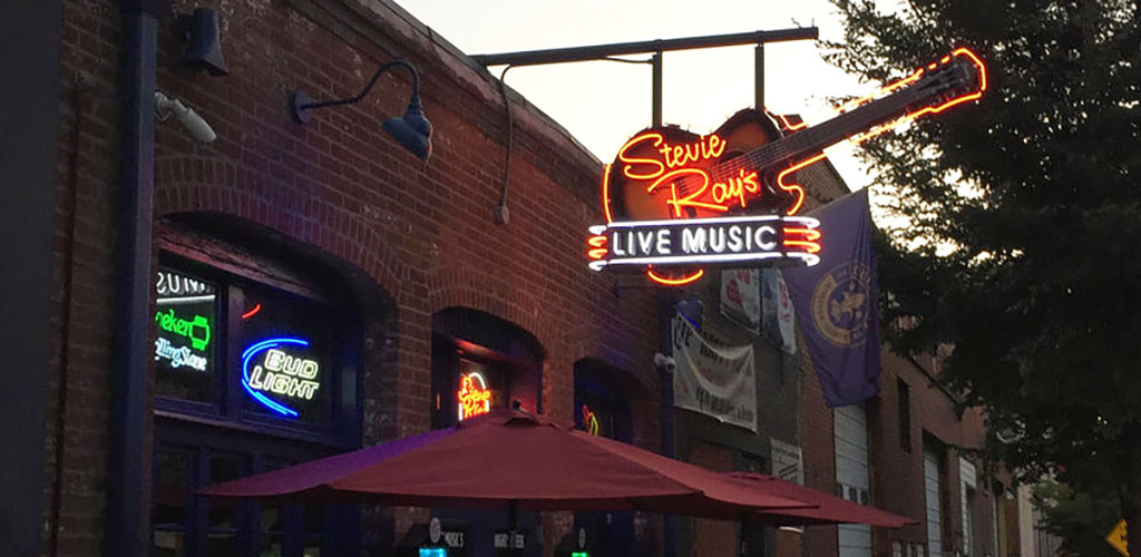 Stevie Ray's Blues Bar is filled with Louisville's beautiful single women