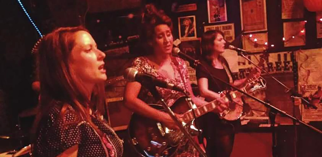 Music lovers and single women in Winnipeg unite at the High And Lonesome Club