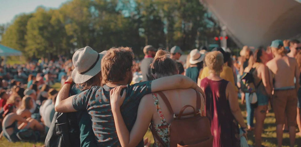 Single women seeking men in WInnipeg always flock to the Winnipeg Folk Festival