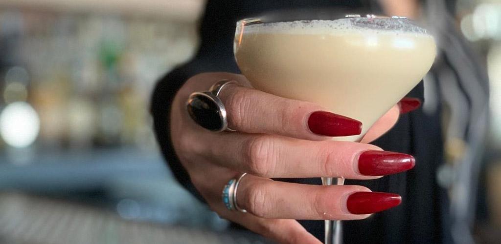 drink.well is a treat for Austin single women