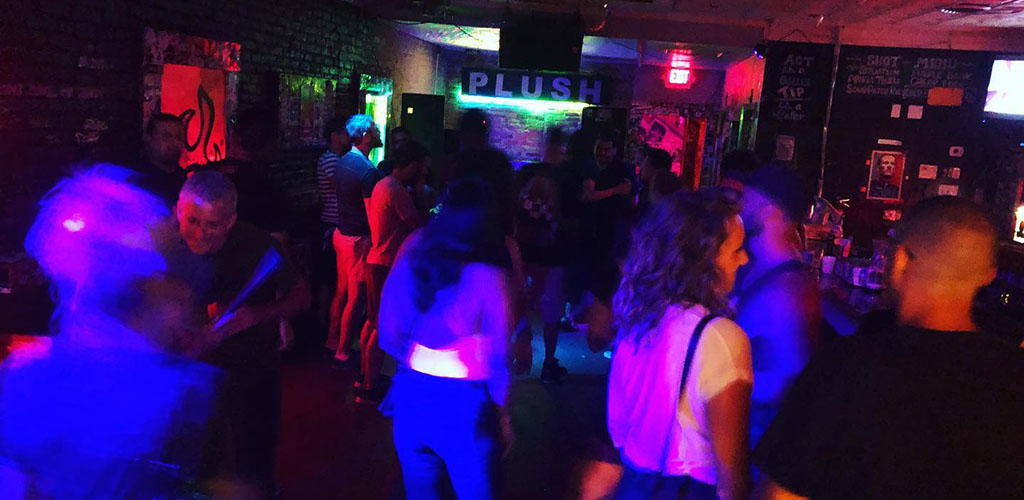 Plush gets single women in Austin in the mood to dance