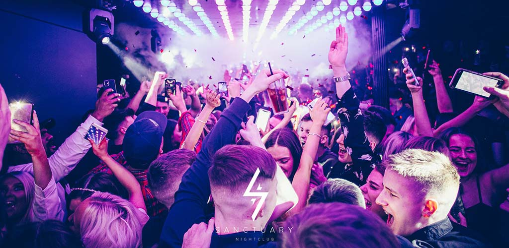 Glasgow single women partying at Sanctuary Nightclub
