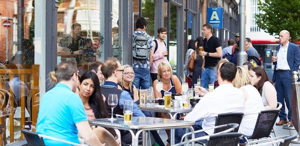 Single women in Leicester having drinks at Manhattan 34