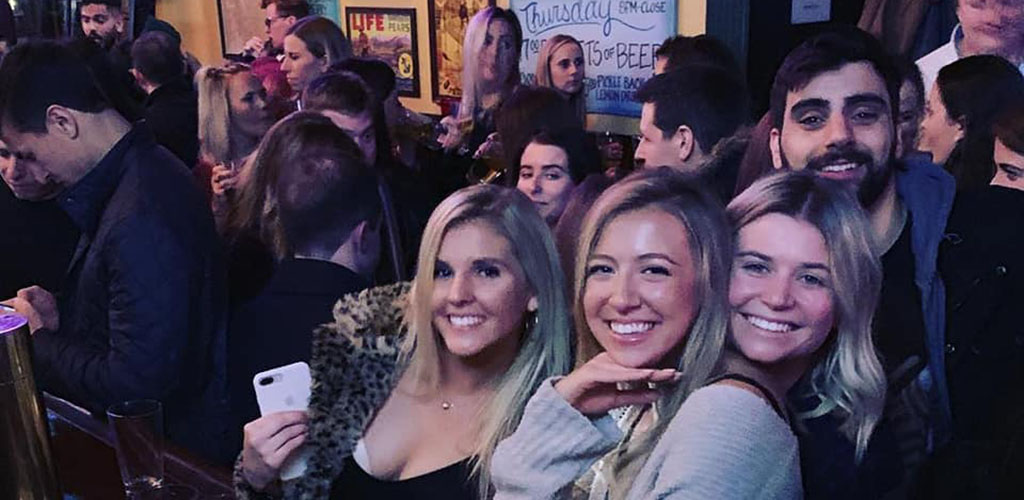 Single girls in New York at Off The Wagon