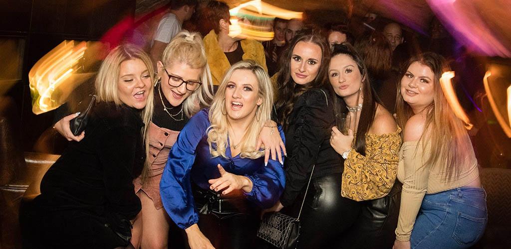 Sexy single women in Bradford partying at Sunbridge Wells